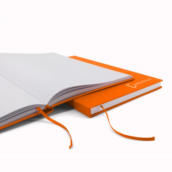 Hardcoverbuch mit Klebebindung